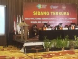 Syahrial Wakili Molen Menghadiri Sidang Terbuka Senat Poltekes Kemenkes Dalam Rangka Wisuda